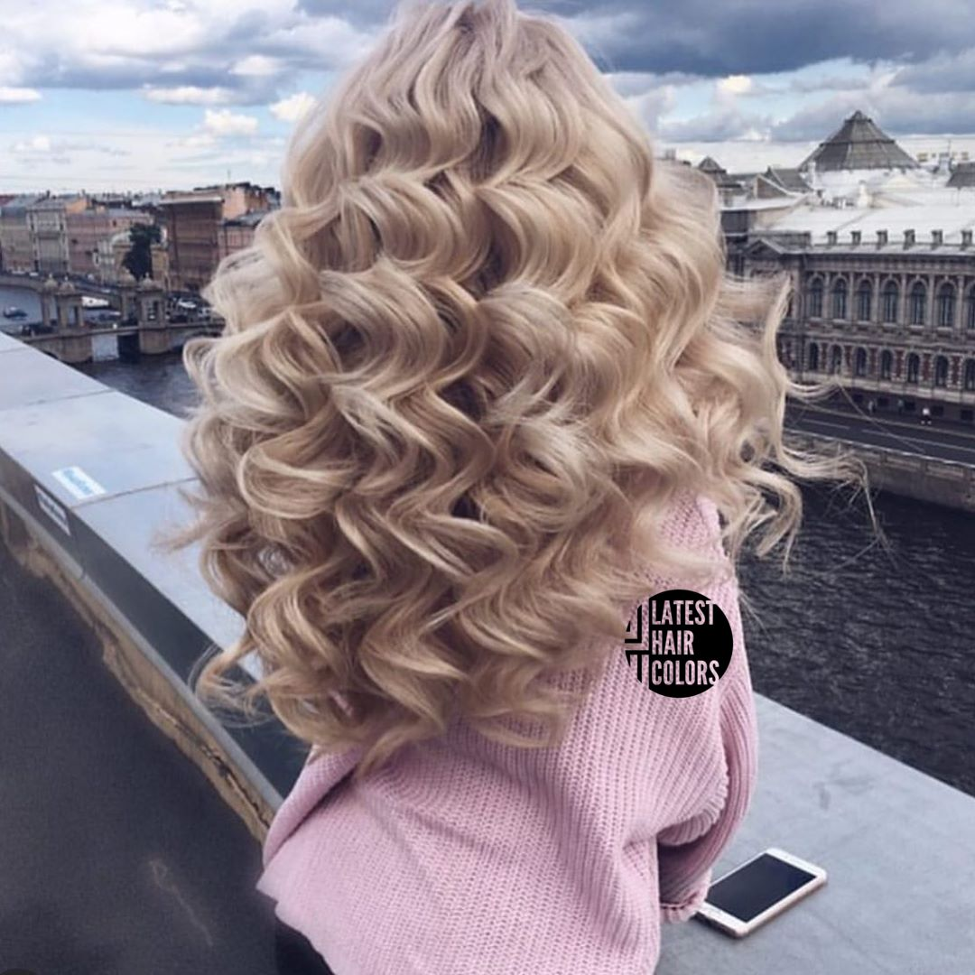 curly platinum blonde hair color